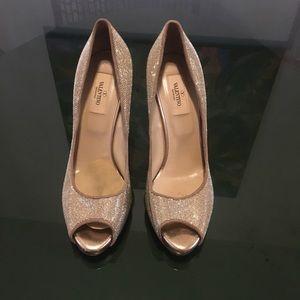 Valentino gold high heels size 39